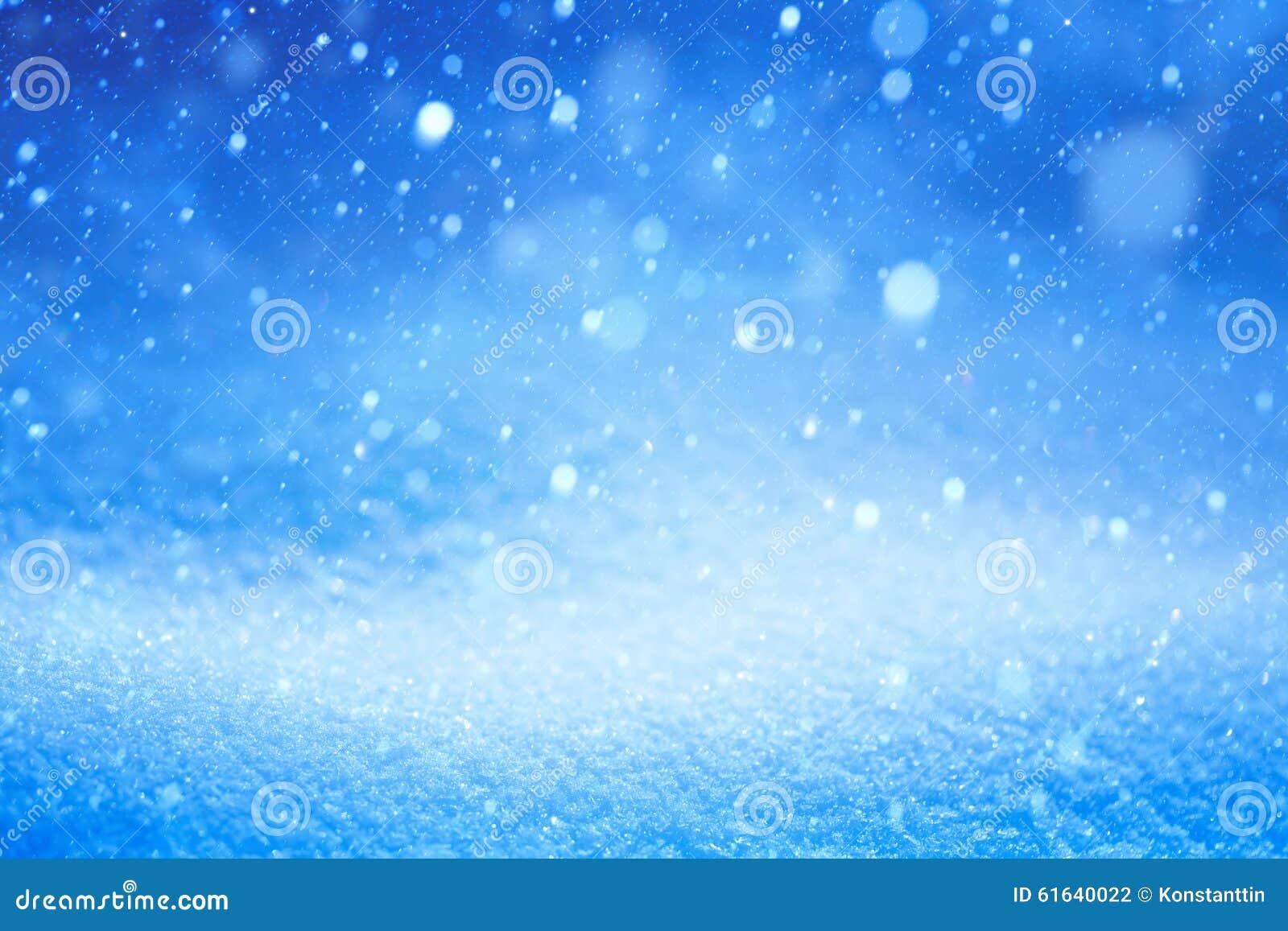 Paesaggio Blu Di Inverno Di Natale Con Neve Di Caduta Fotografia