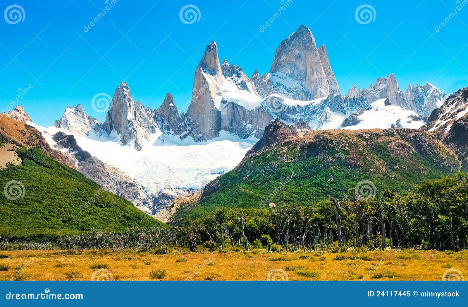 Paesaggio con Fitz Roy nel Patagonia, Argentina