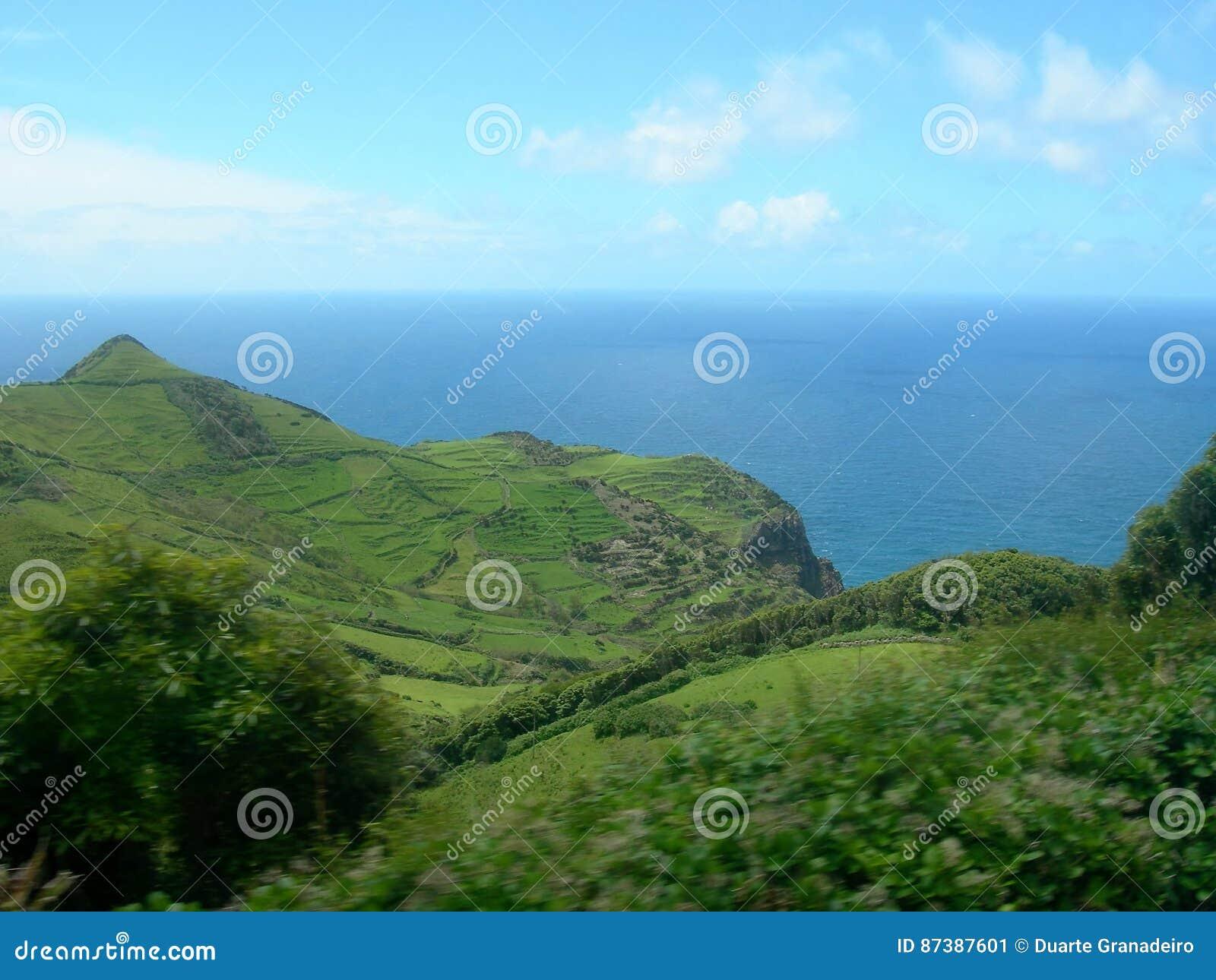 Paesaggio dell isola del Flores Le Azzorre, Portogallo