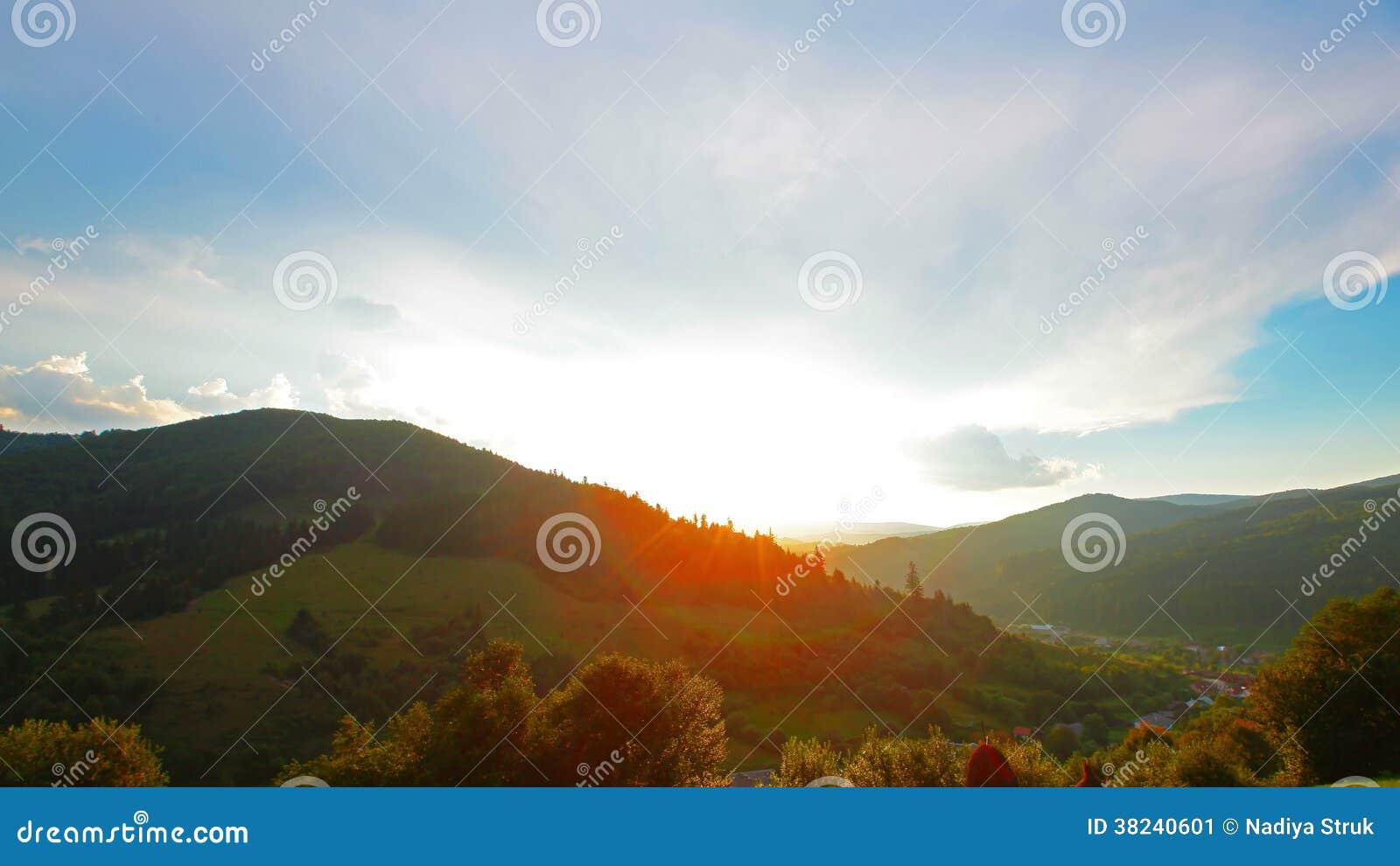 Paesaggio Della Montagna 4k Hd Pieno 4096x2304 Stock Footage