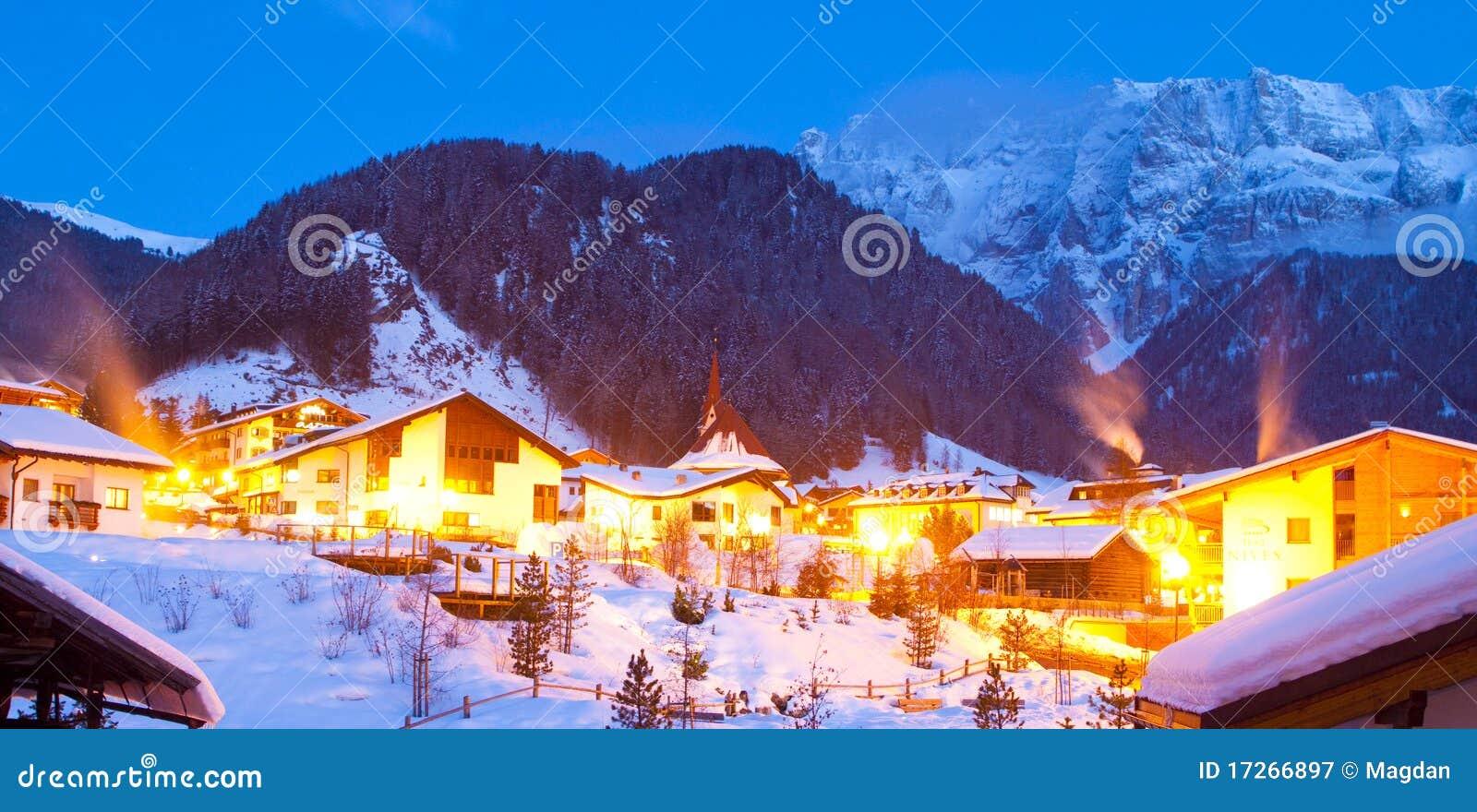 Paesaggio della montagna nell 39 orario invernale immagine for Foto paesaggi gratis