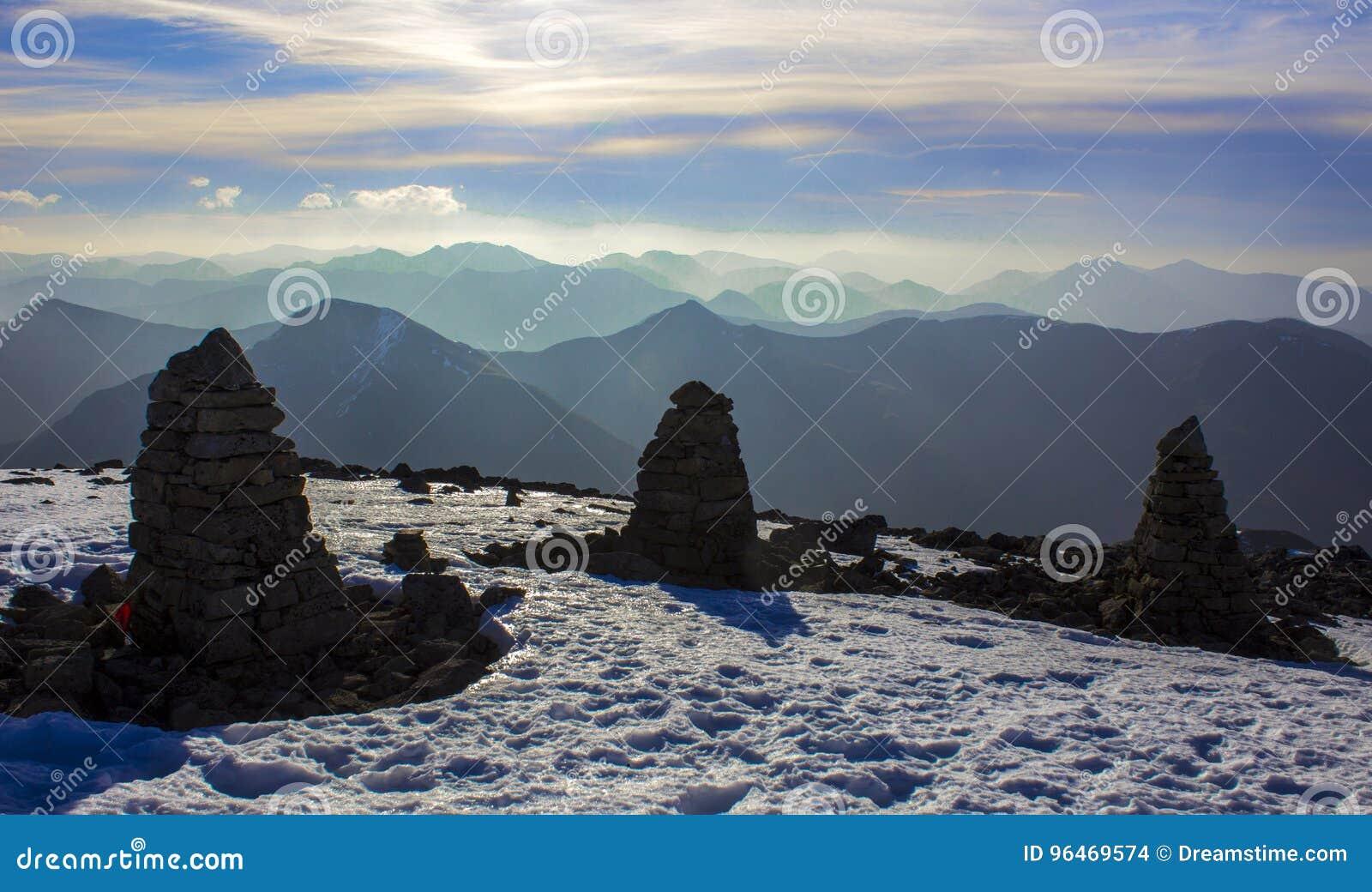 Paesaggio di Snowy sulla sommità di Ben Nevis, Scozia