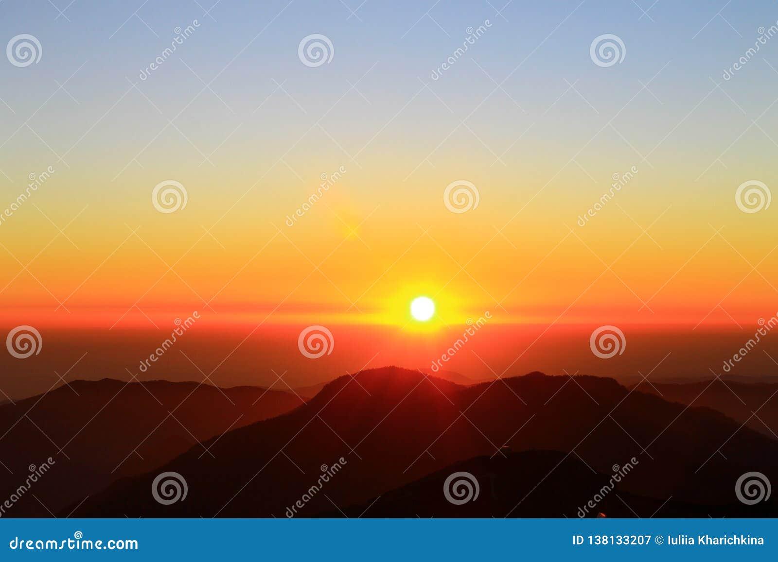 Paesaggio di tramonto di Mountain View di Rosa Khutor bello