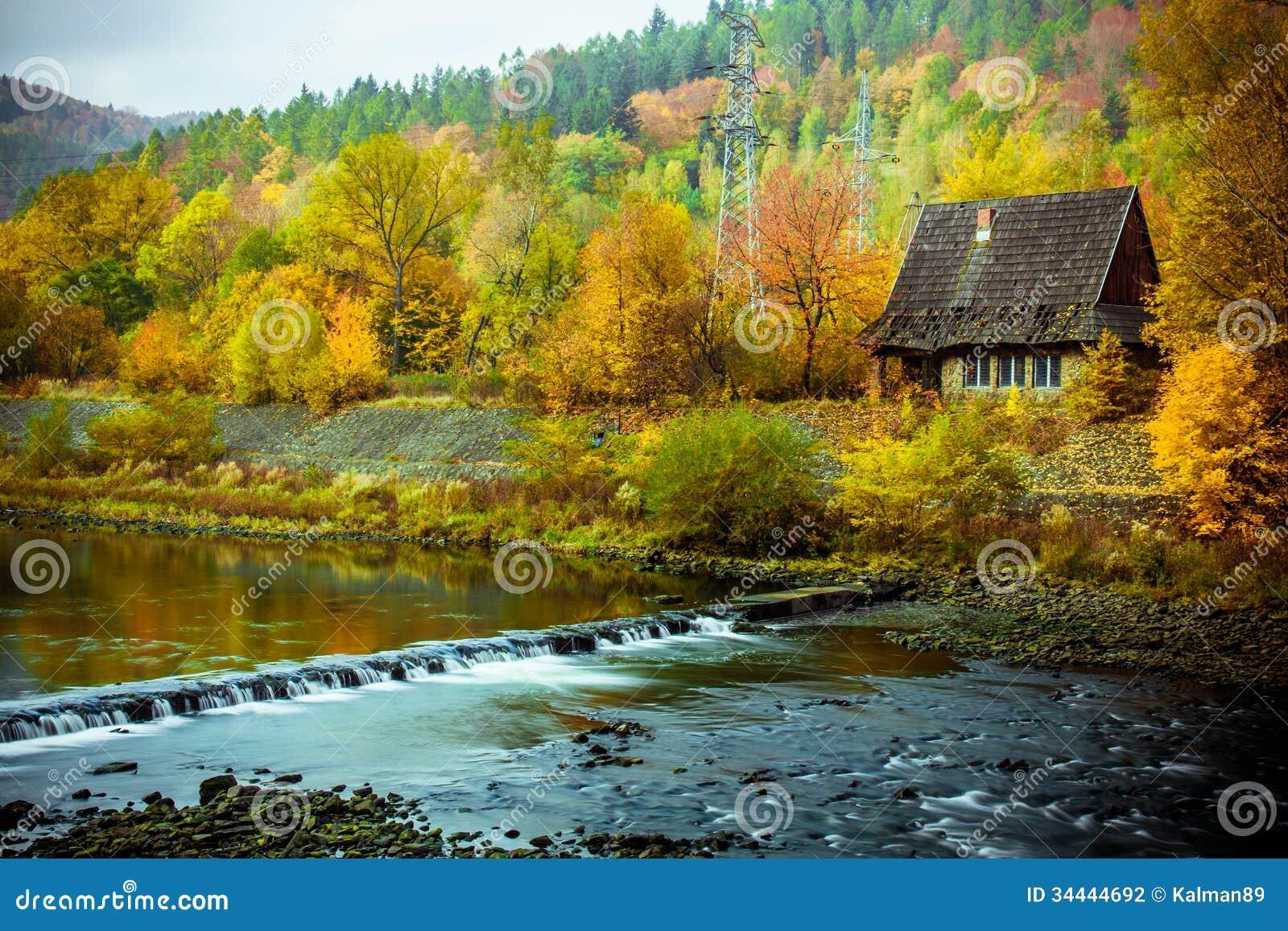Paesaggio perfetto di autunno