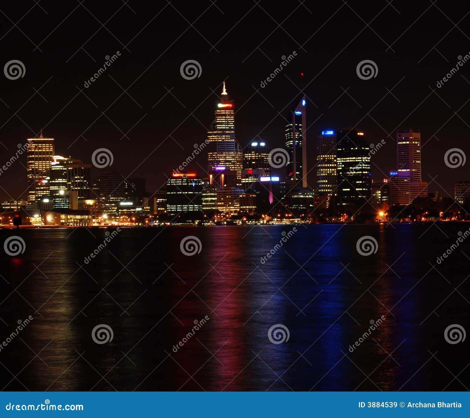 Paesaggio urbano alla notte