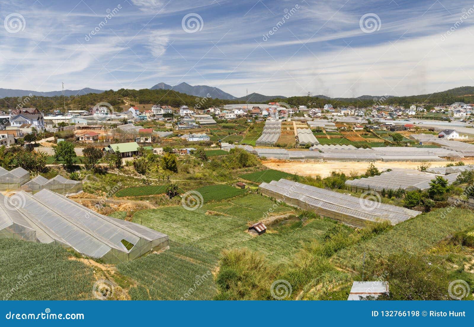 Paesaggio urbano della città del Lat del Da di estate nel Vietnam