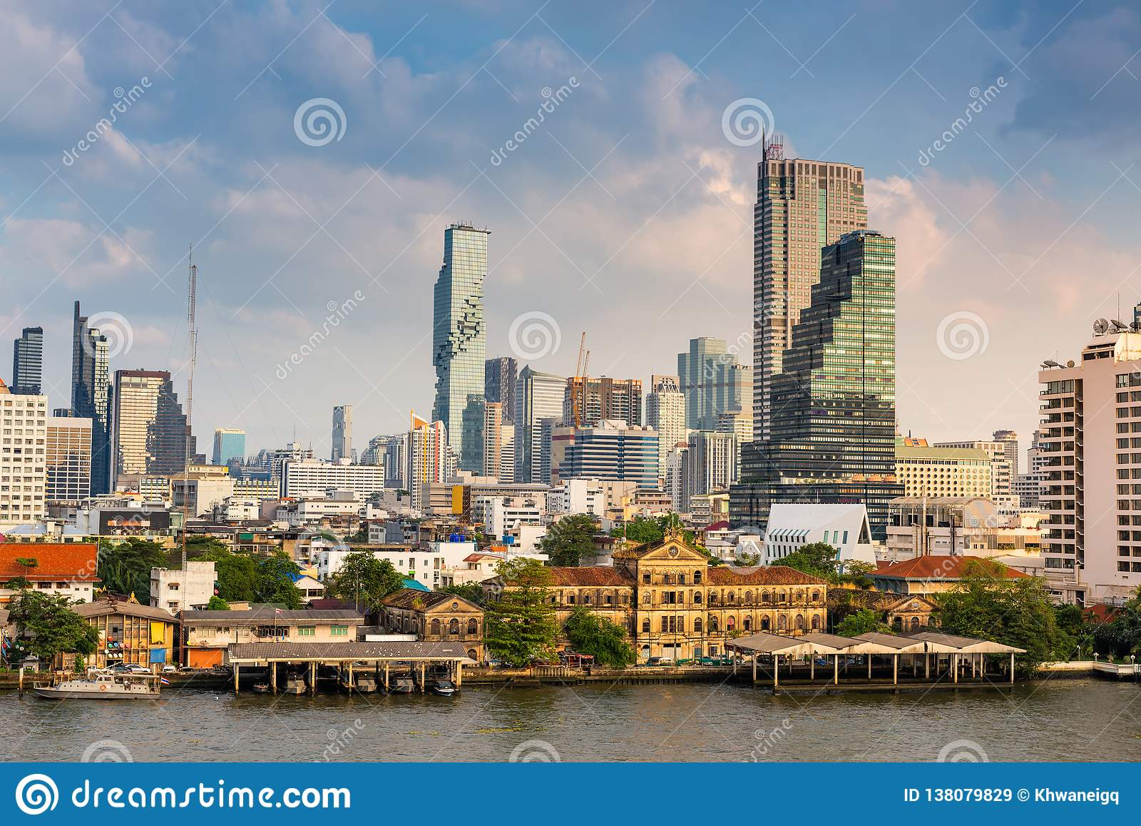 Paesaggio urbano della città di Bangkok e delle costruzioni dei grattacieli della Tailandia , Paesaggio dell affare e centro fina