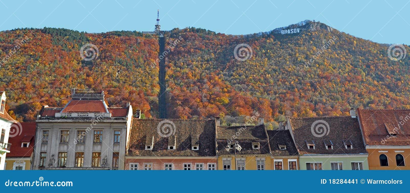 Paesaggio urbano di Brasov nella caduta