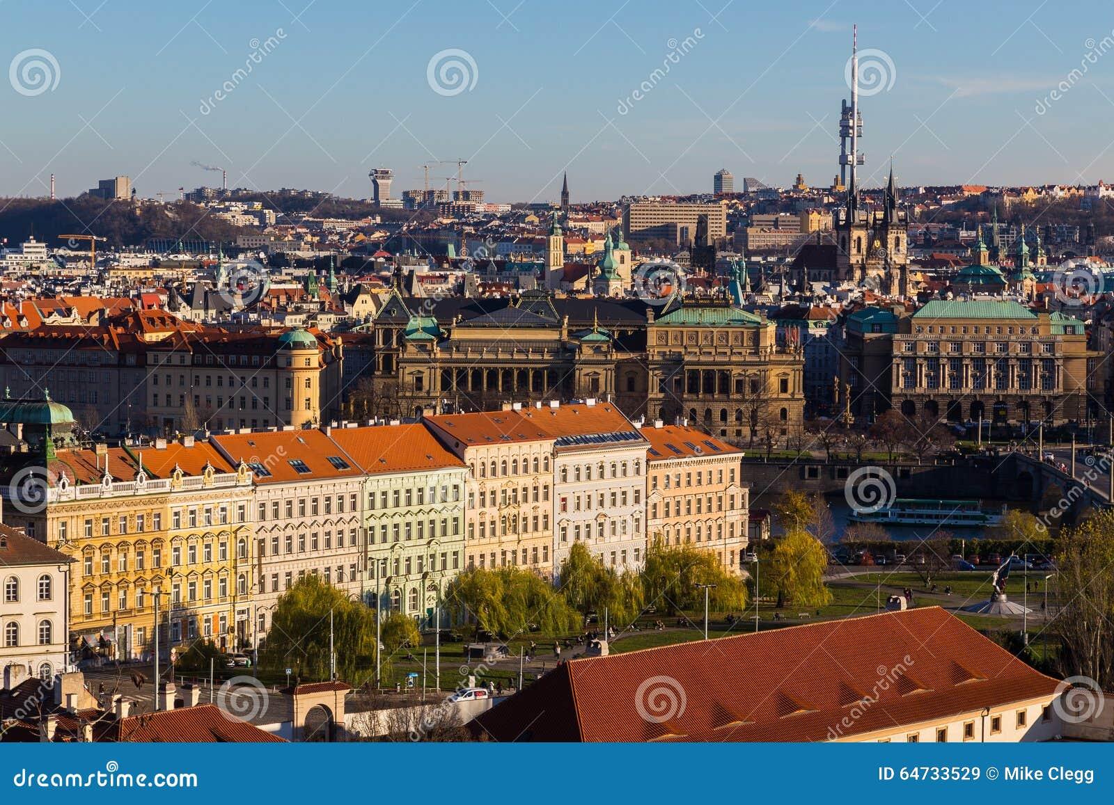 Paesaggio urbano di Praga durante il giorno