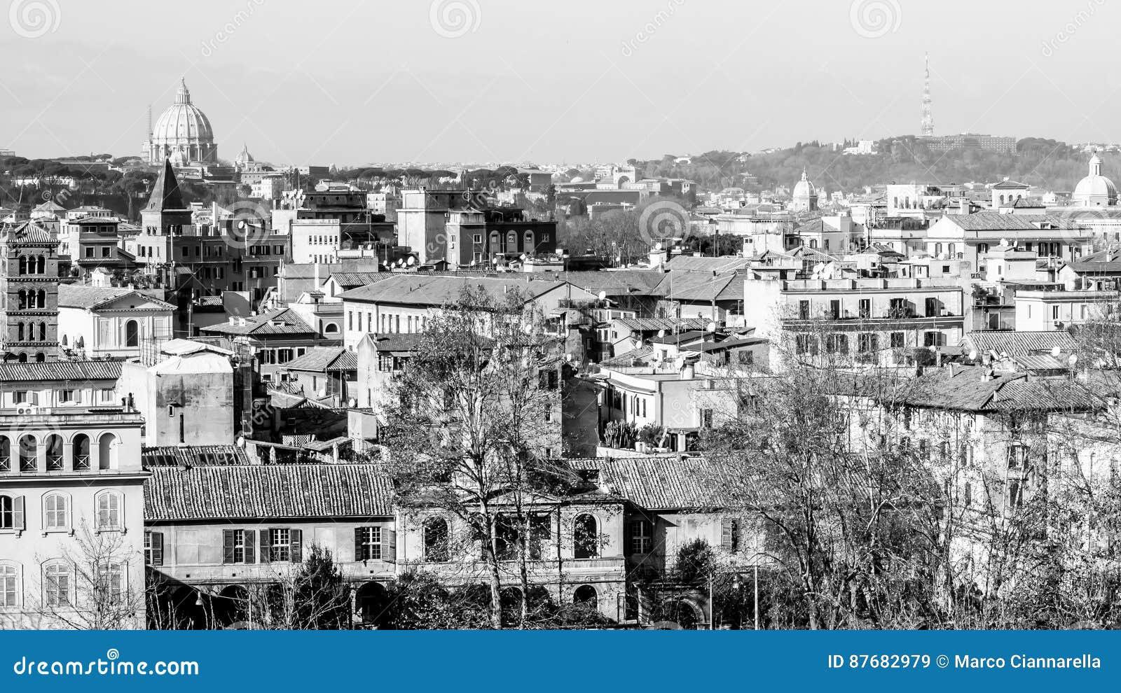 Paesaggio urbano di roma in bianco e nero fotografia stock for Roma in bianco e nero