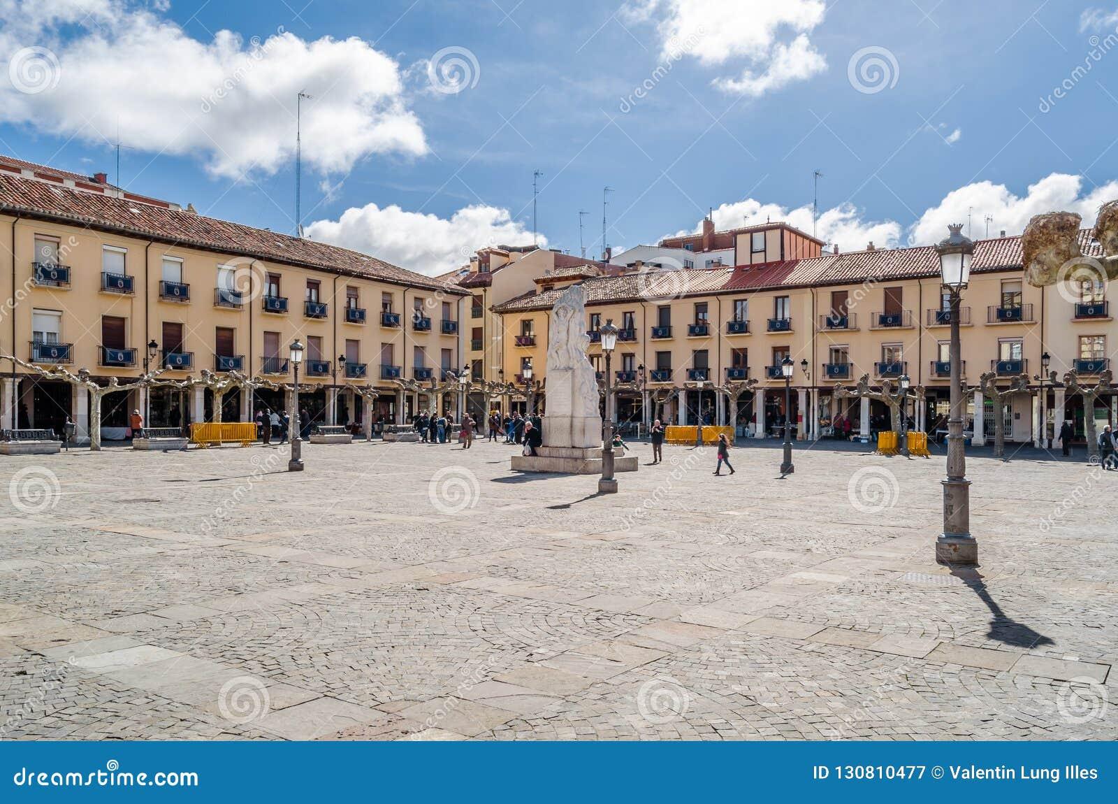 Paesaggio urbano, quadrato principale di Palencia, Spagna