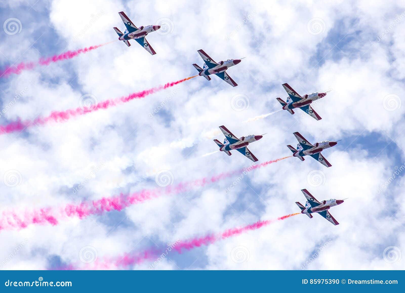 PAF K-8, Hongdu JL-8/, Sherdils Aerobatics Zespalają się, Islamabad, Pakistan