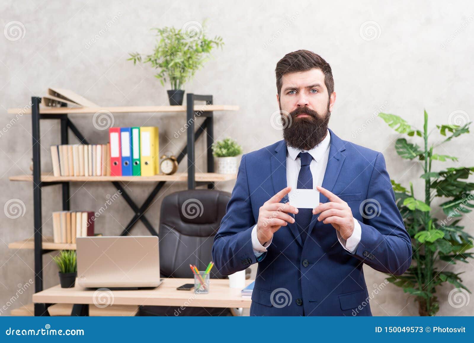 Pagamento facile e rapido Carta assegni Contributo finanziario Carta barbuta della tenuta del direttore generale dei pantaloni a