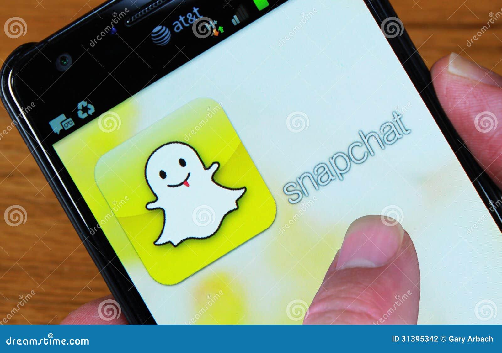 Apprenez à espionner quelqu'un sur Snapchat gratuitement en suivant ce tutoriel étape par étape. Trois façons différentes sont énumérées concernant les outils ...