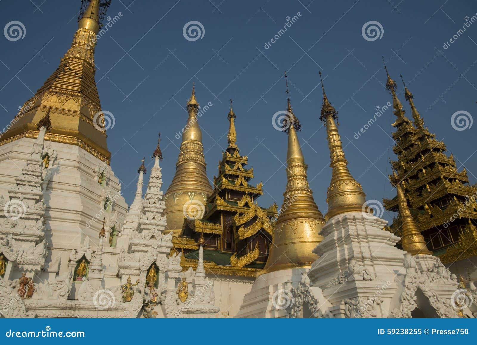 PAGODA DE ASIA MYANMAR RANGÚN SHWEDAGON