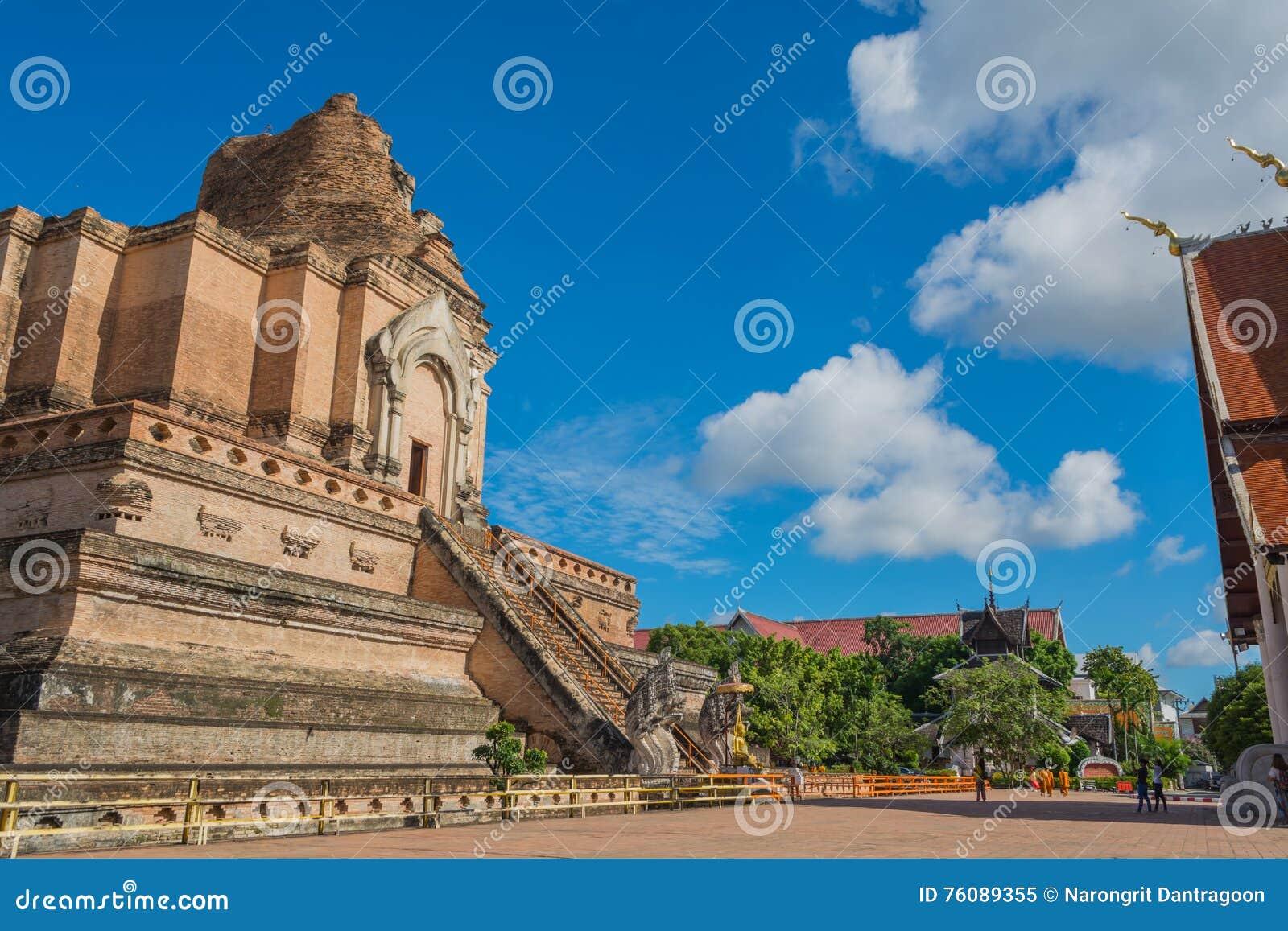 Pagoda de buddist au wat Chedi Luang, Chiang Mai