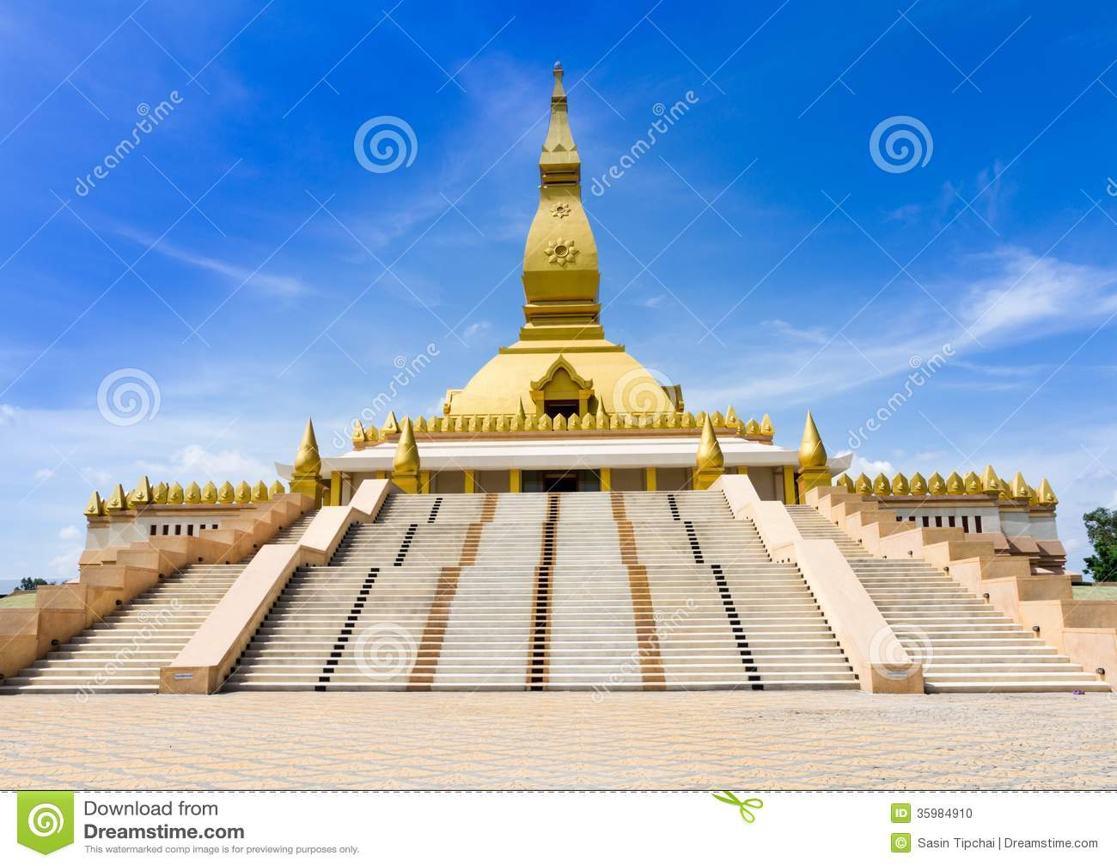 Roi Et Thailand  City pictures : Pagoda Mahabua, Roi Et, Thailand.