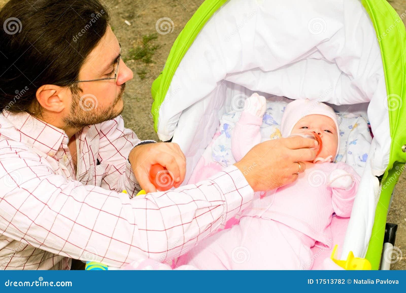 Pai com criança
