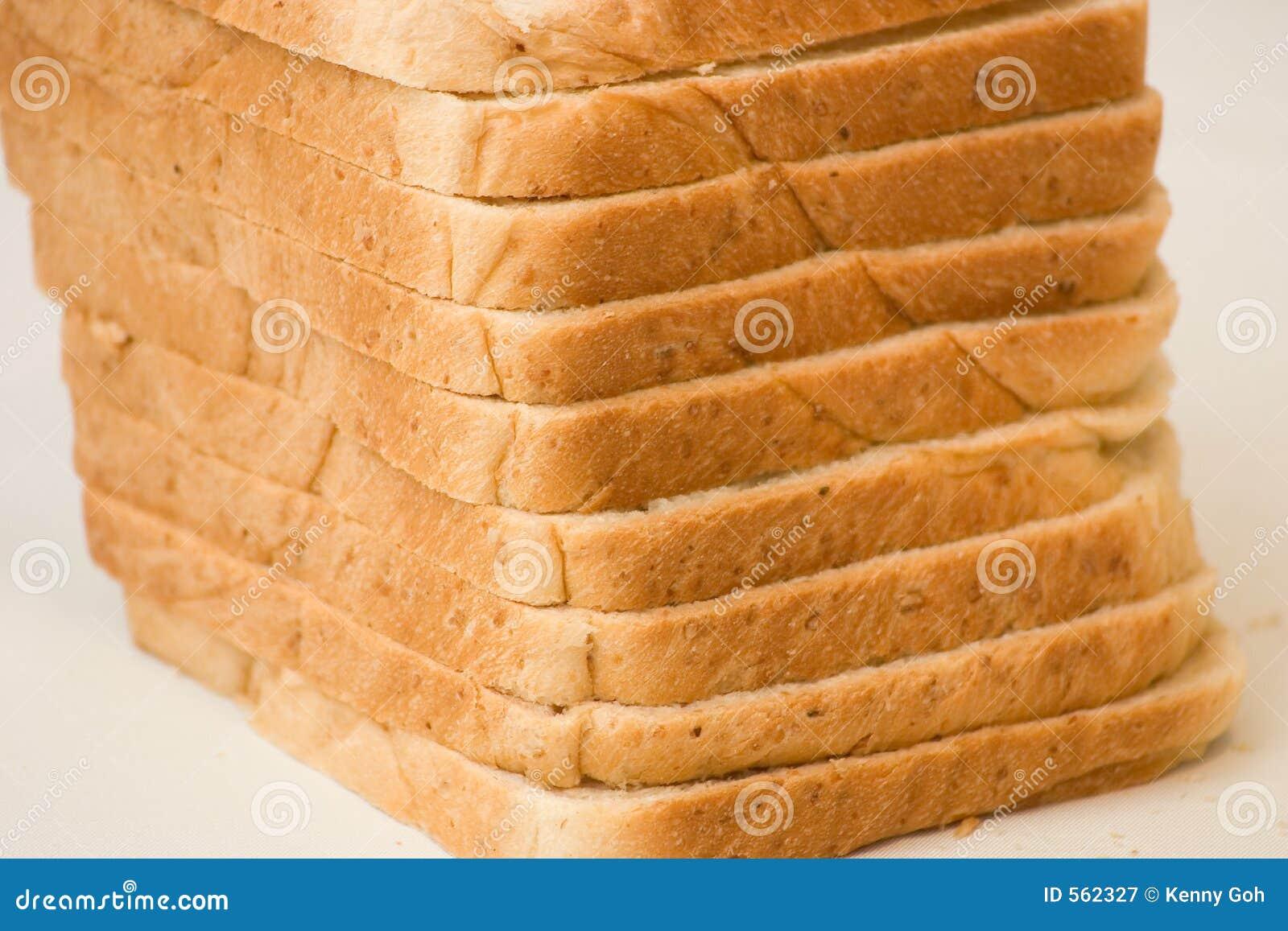 Pain coupé en tranches de pain