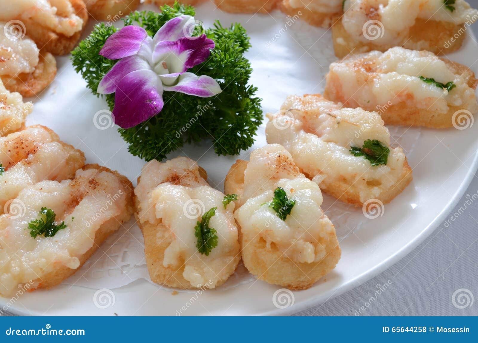 Pain grillé cuit à la friteuse de crevette