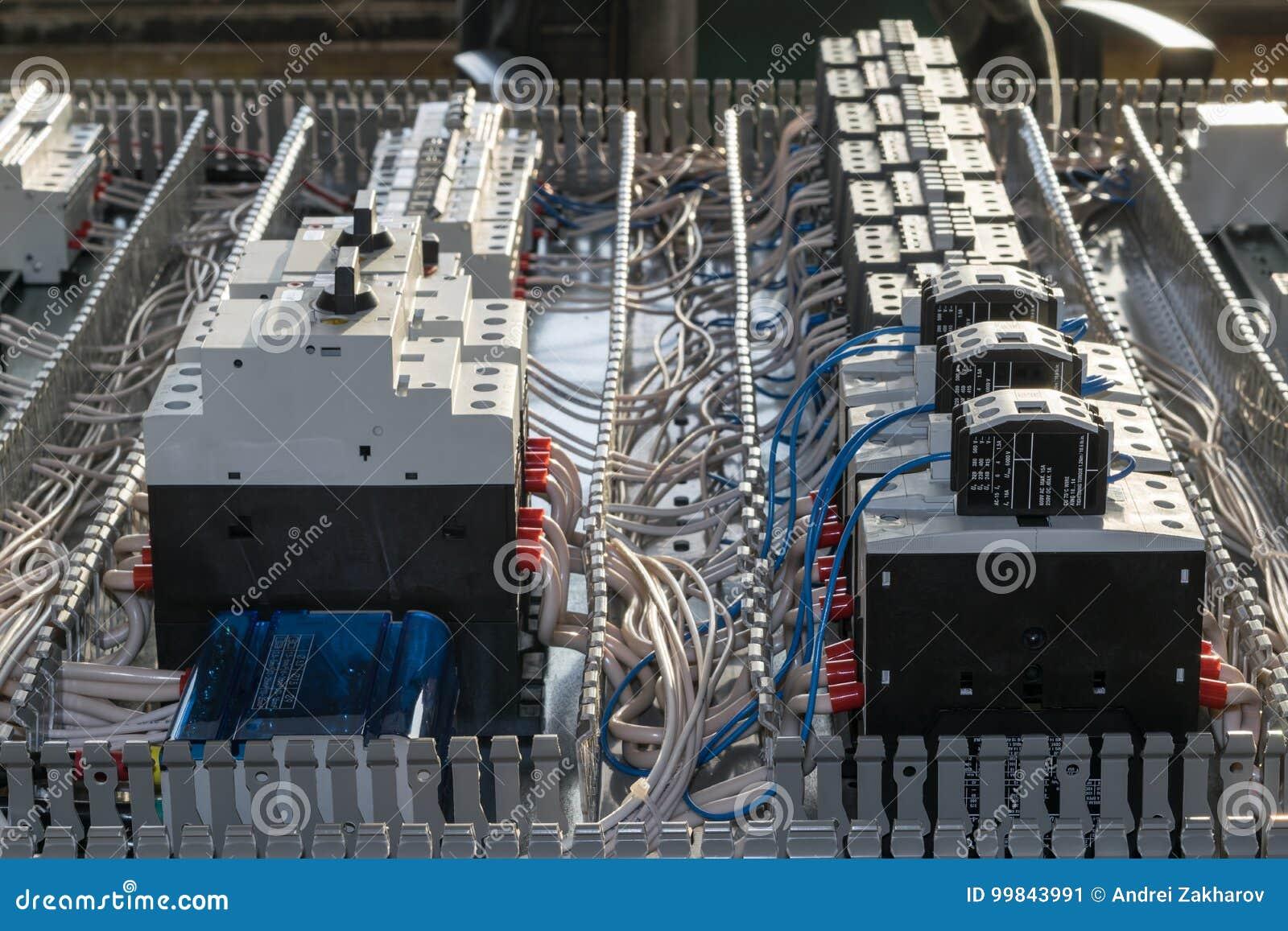 Painel bonde da montagem do armário do conjunto Interruptores e contatores
