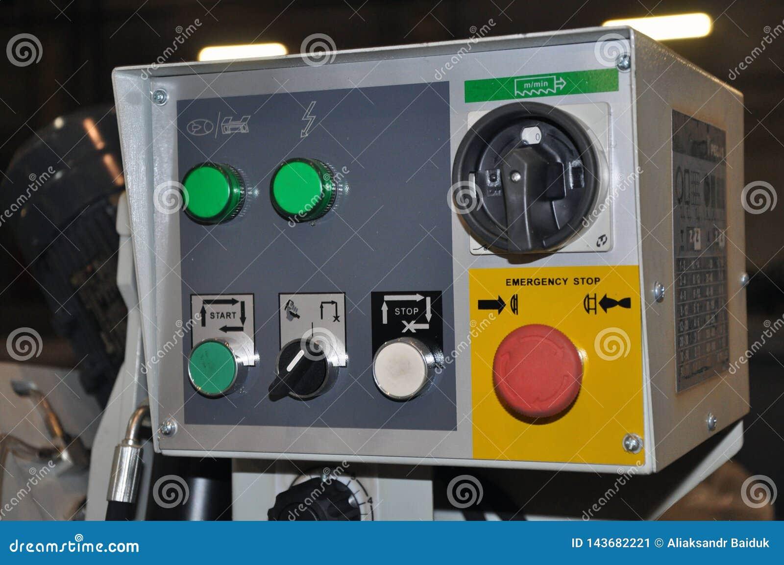 Painel de controle da máquina do torno do CNC