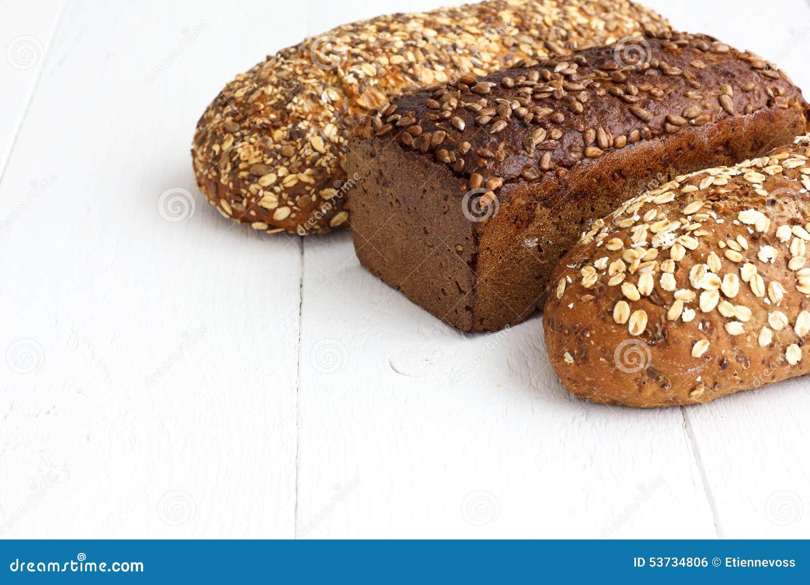 Pains entiers mélangés de santé de grain