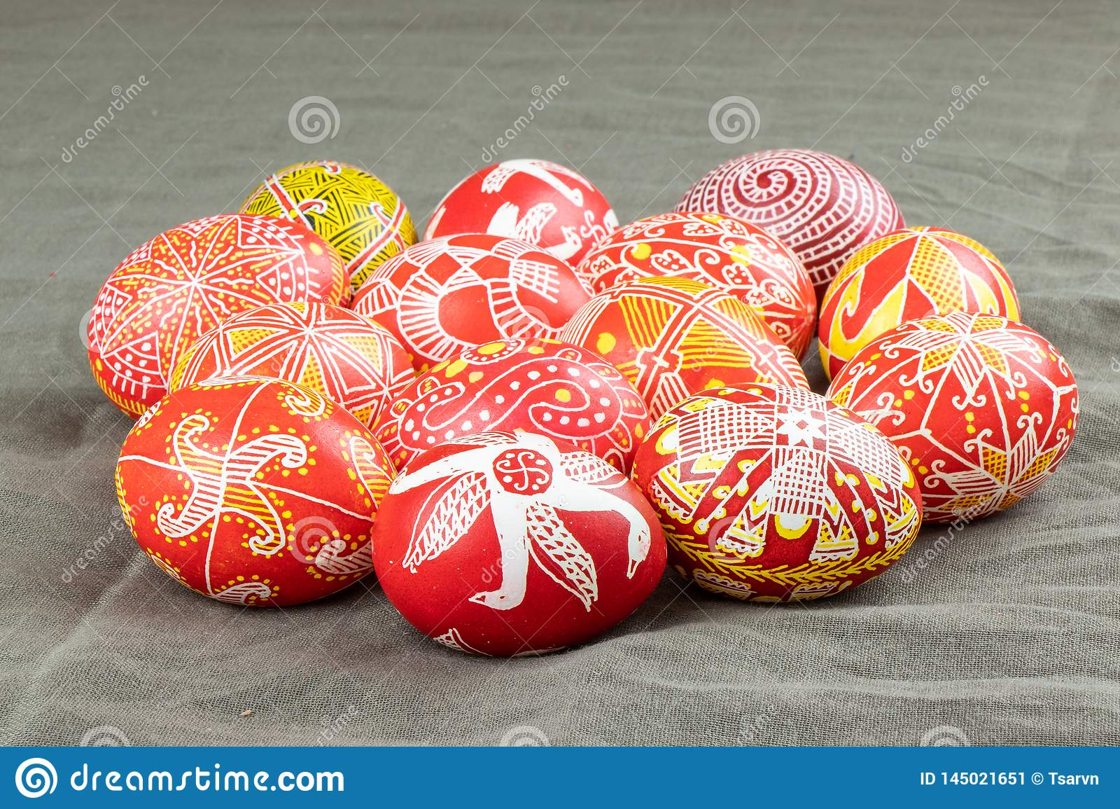 The painted eggs from the collection The Peace