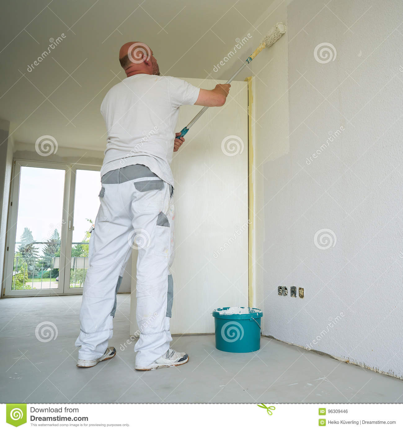 Painter during the renovation