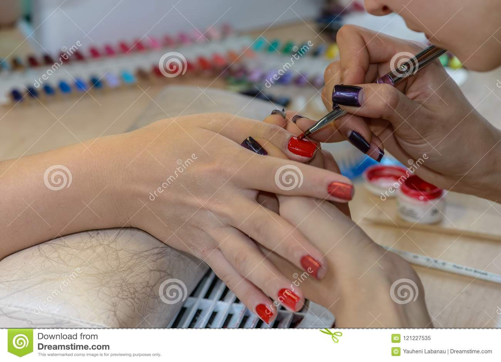 Painting Nails In Nail Salon Uv Lap Of Quick Dry Nail Polish Ma