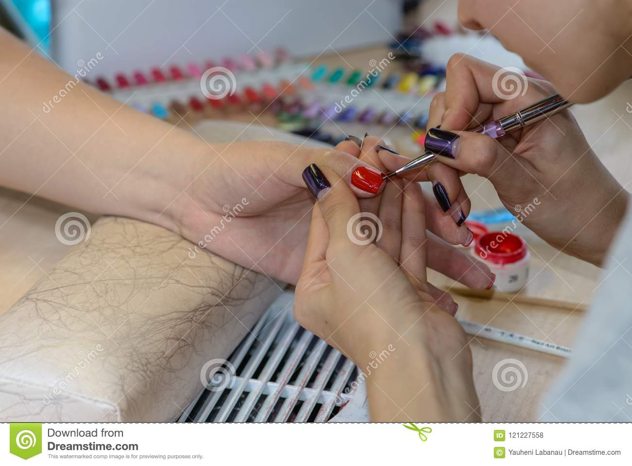 Painting Nails In Nail Salon, UV Lap Of Quick Dry Nail Polish Ma ...