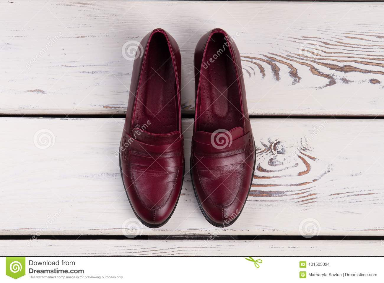 Maroon shoes outfit