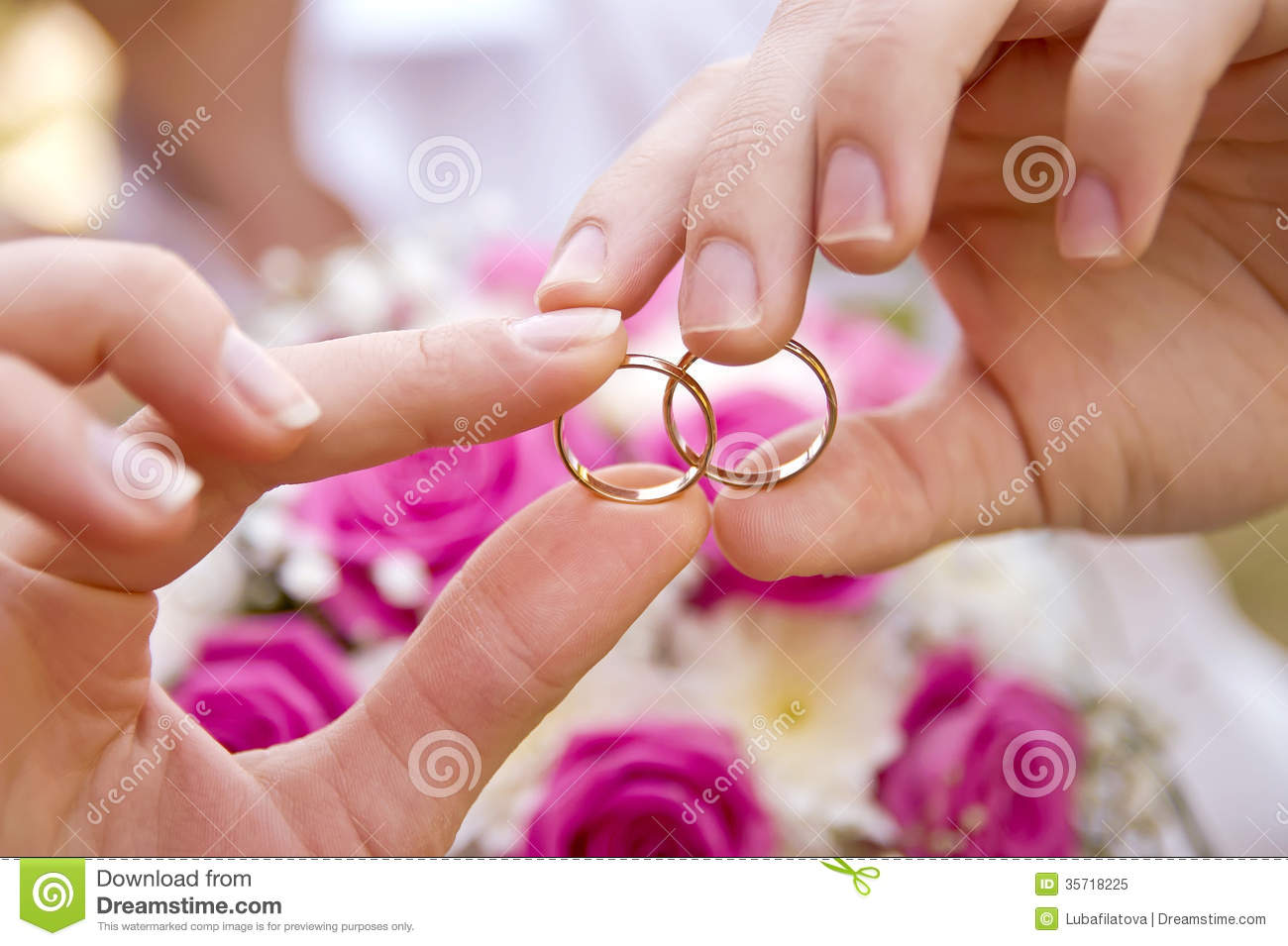 Wedding Rings Pictures: hands wedding rings