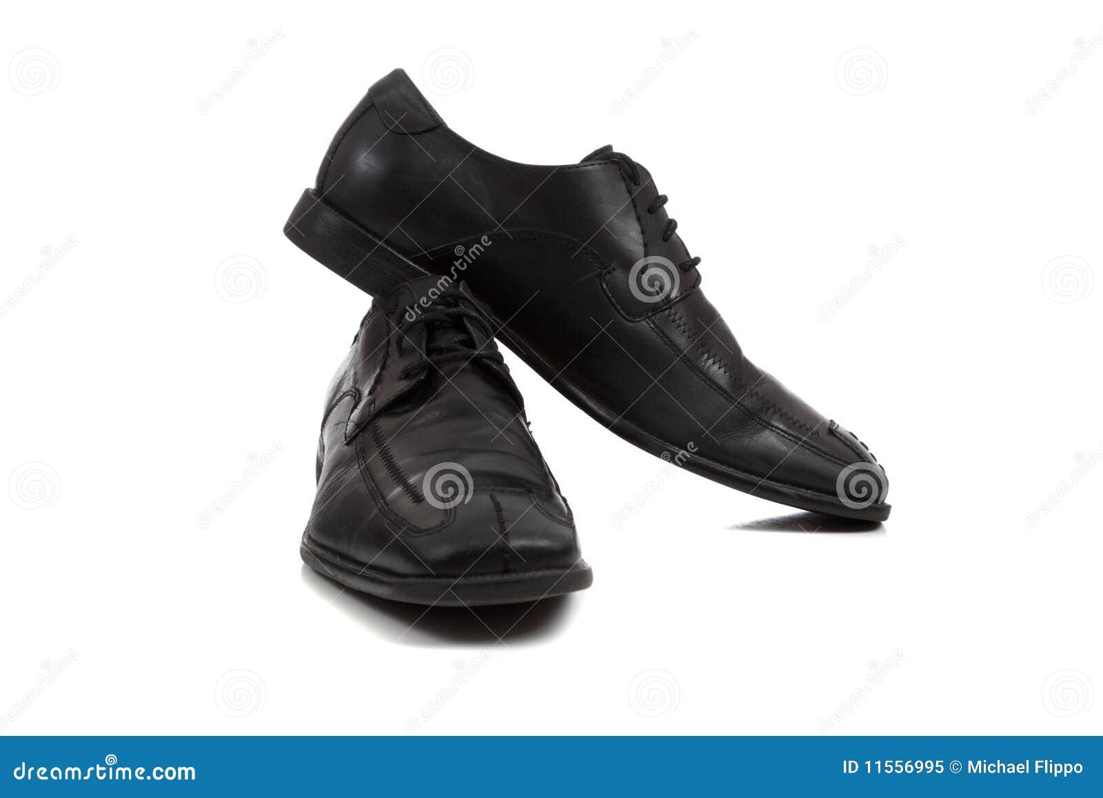 los angeles f8eac 734f5 Une paire de chaussures de robe noires des hommes sur un fond blanc