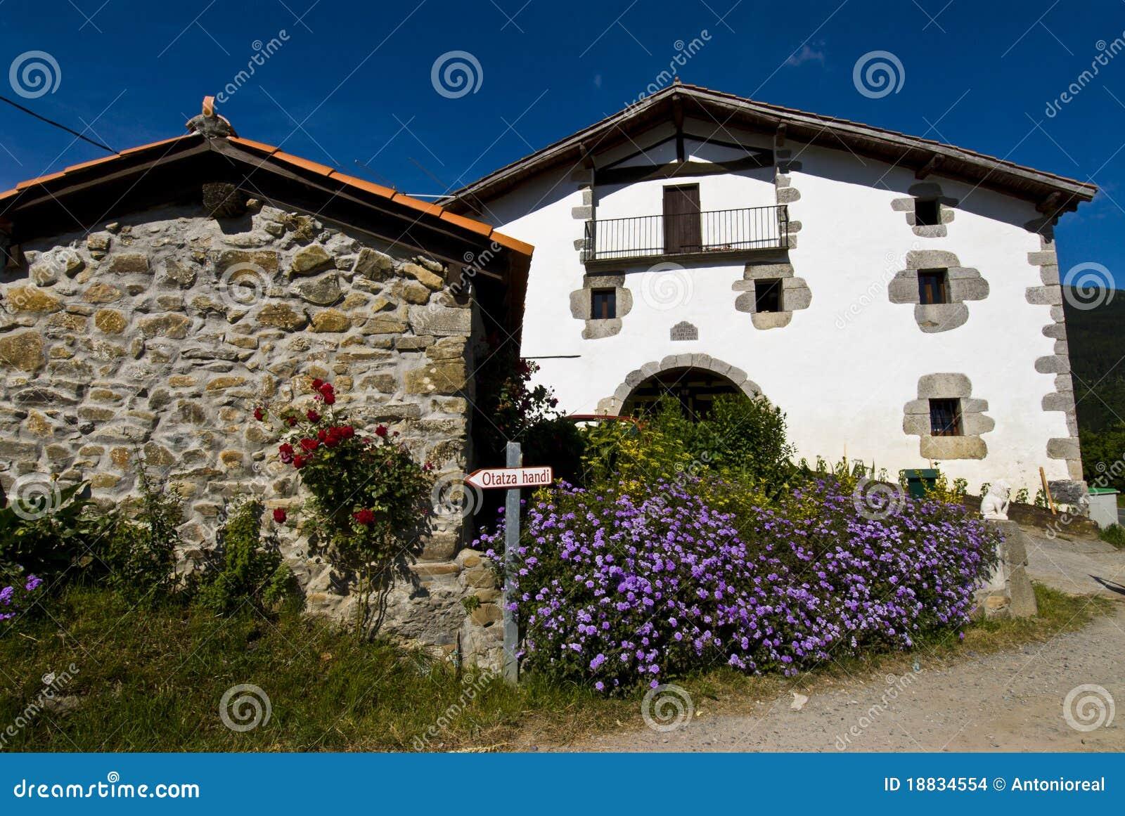 Pais vasco imagenes de archivo imagen 18834554 - Casas pais vasco ...