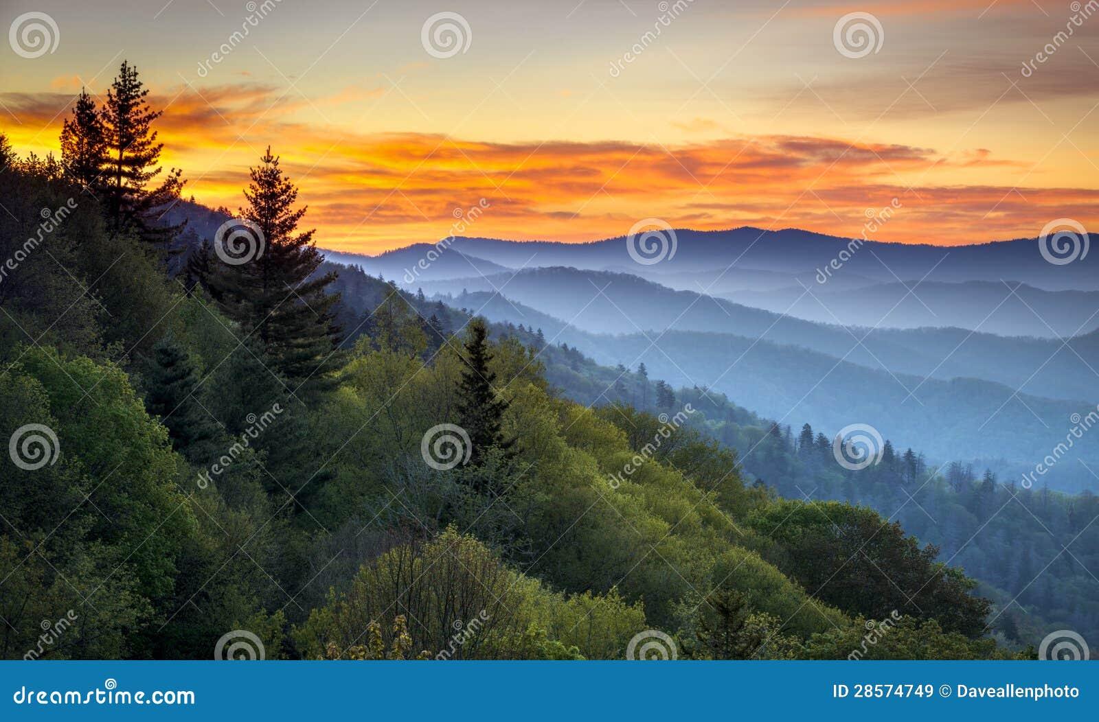 Paisagem cénico do nascer do sol do parque nacional de Great Smoky Mountains