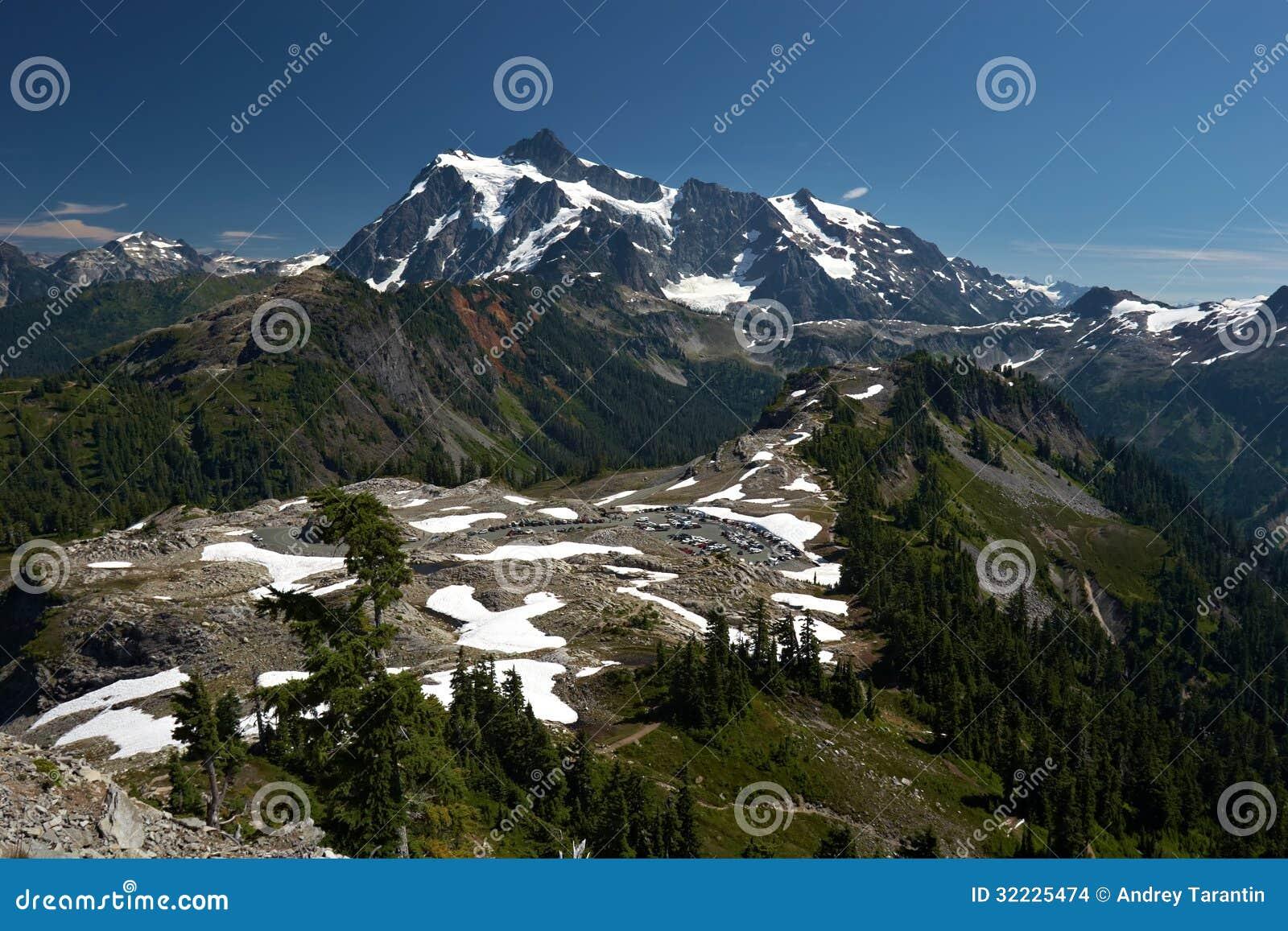 Download Paisagem da montanha foto de stock. Imagem de norte, parque - 32225474