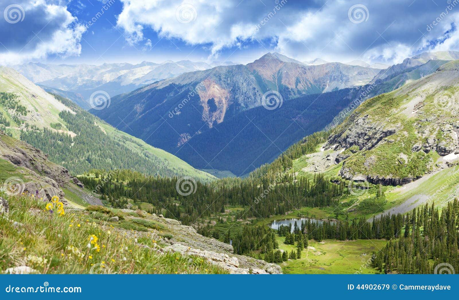 Paisagem do vale das montanhas de Colorado