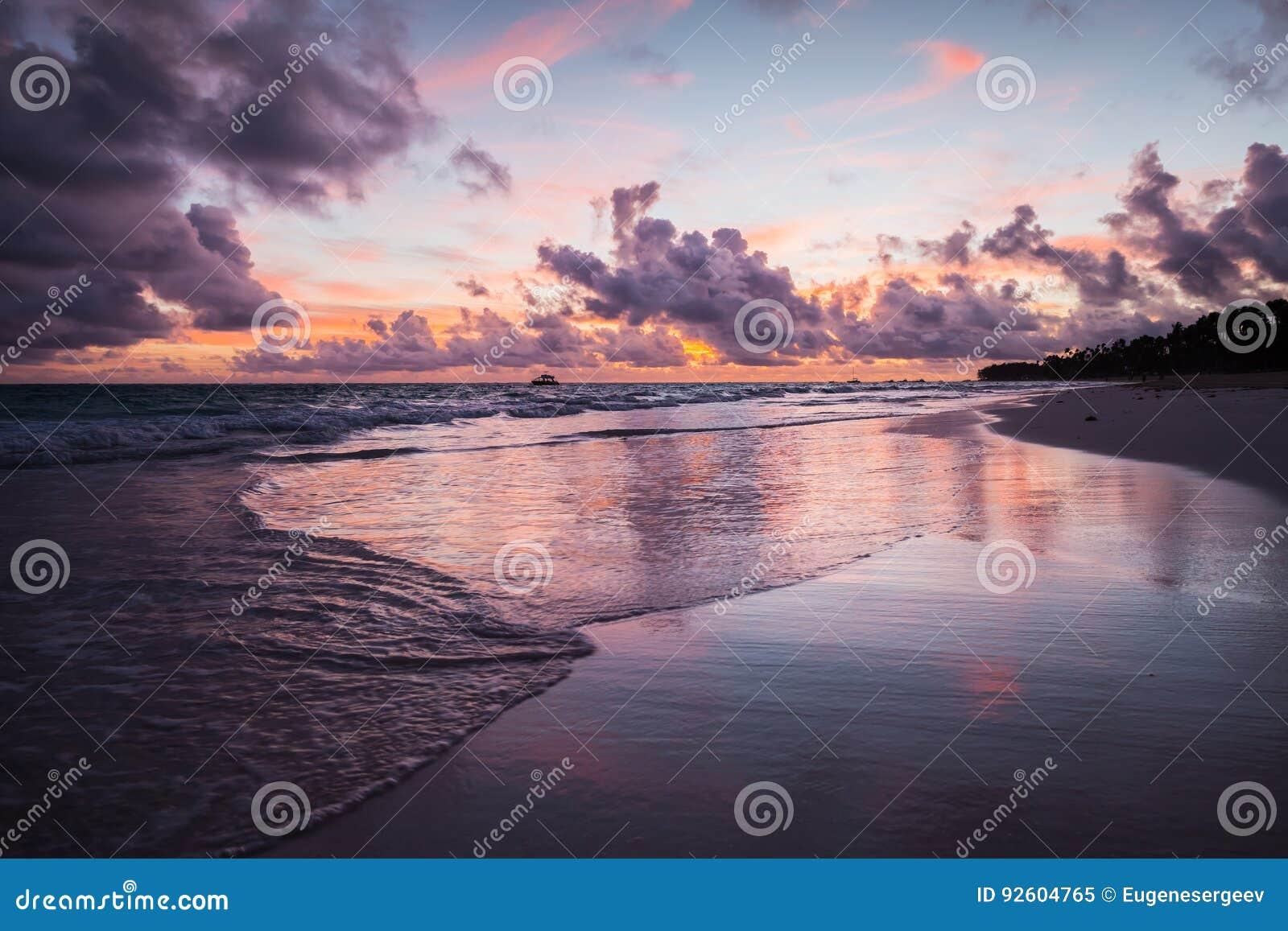 Paisagem litoral colorida, Bavaro
