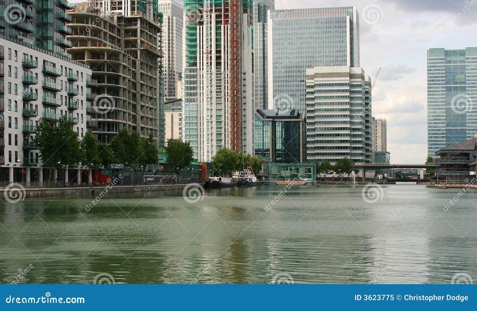 Paisagem moderna da cidade do waterside