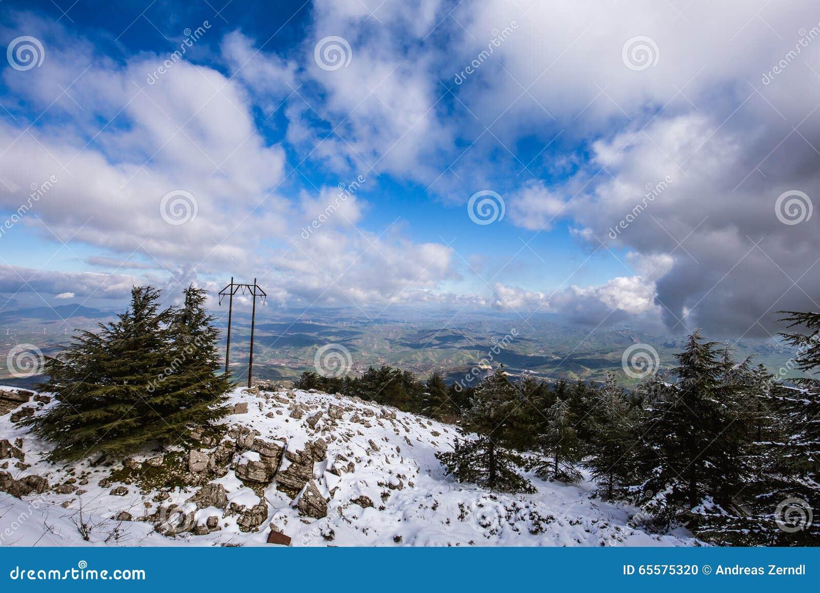 Paisagem siciliano da montanha, Itália