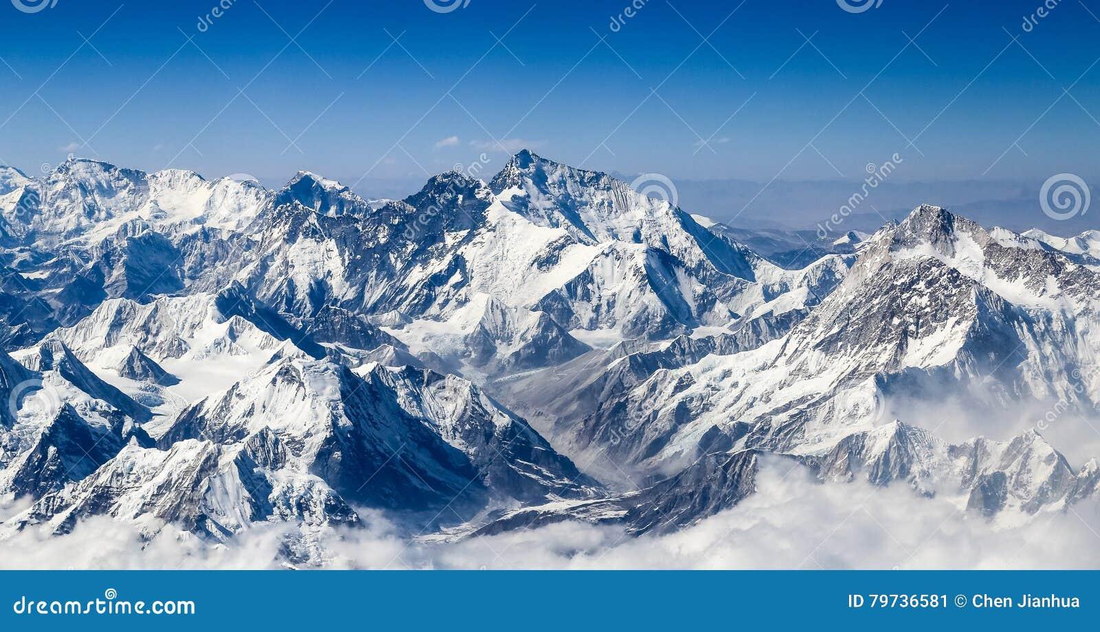 Paisaje de la montaña de Himalaya
