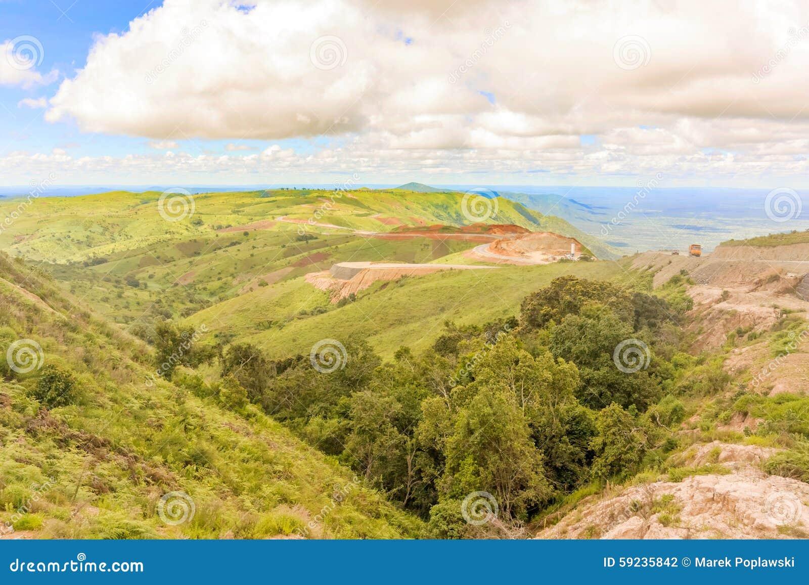 Download Paisaje Del Camino En Tanzania Foto de archivo - Imagen de campo, tanzania: 59235842
