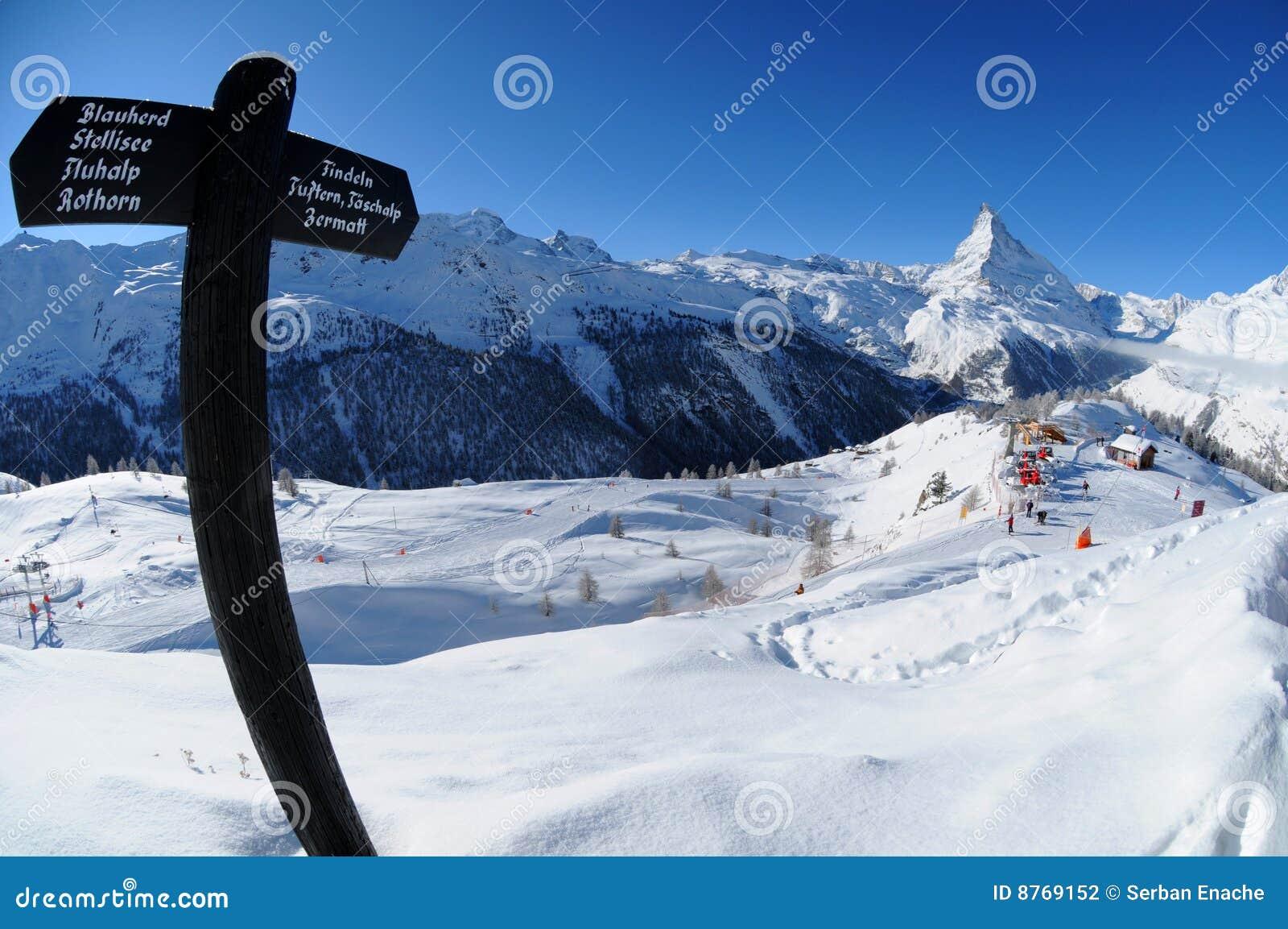 Paisaje del invierno de Matterhorn