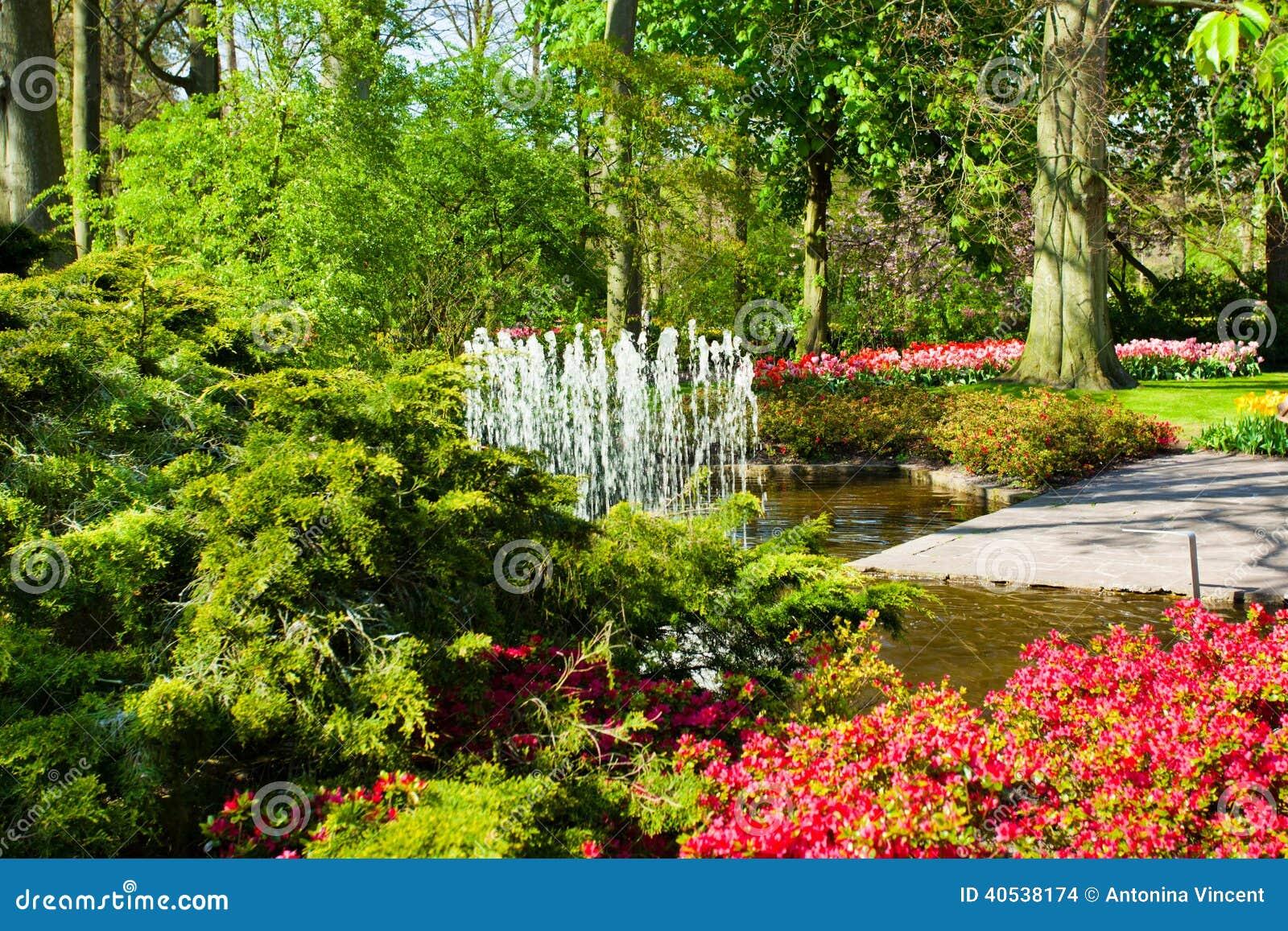 Paisaje del jard n de la primavera foto de archivo for Jardines de primavera