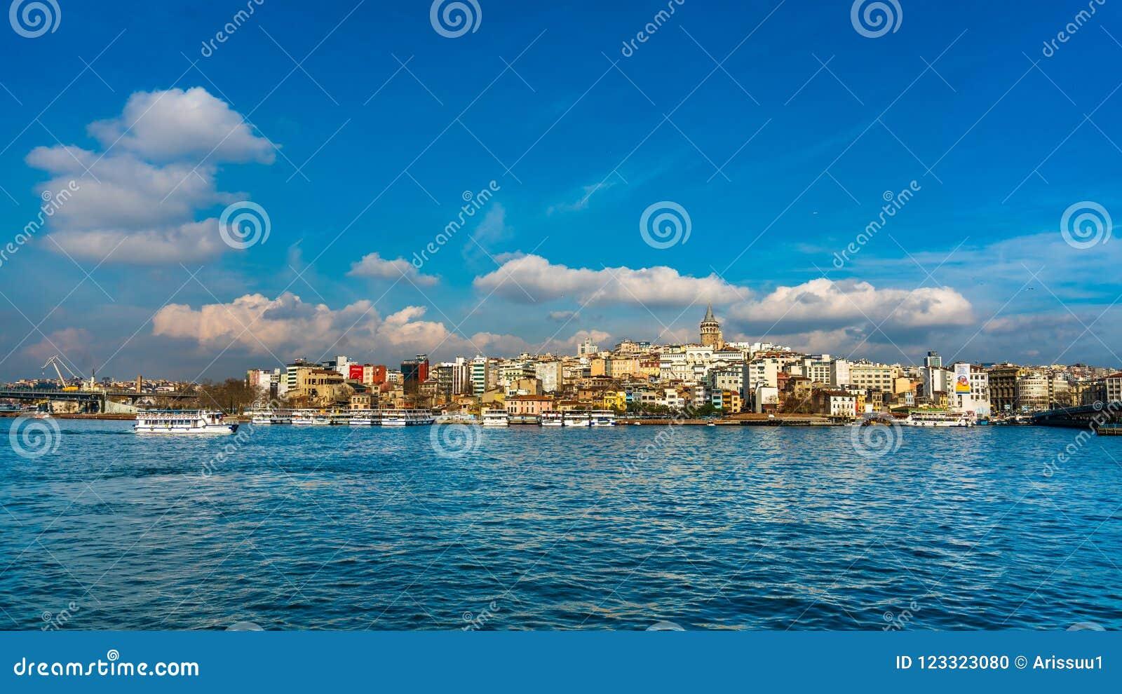 Paisaje del mar en Estambul, Turquía