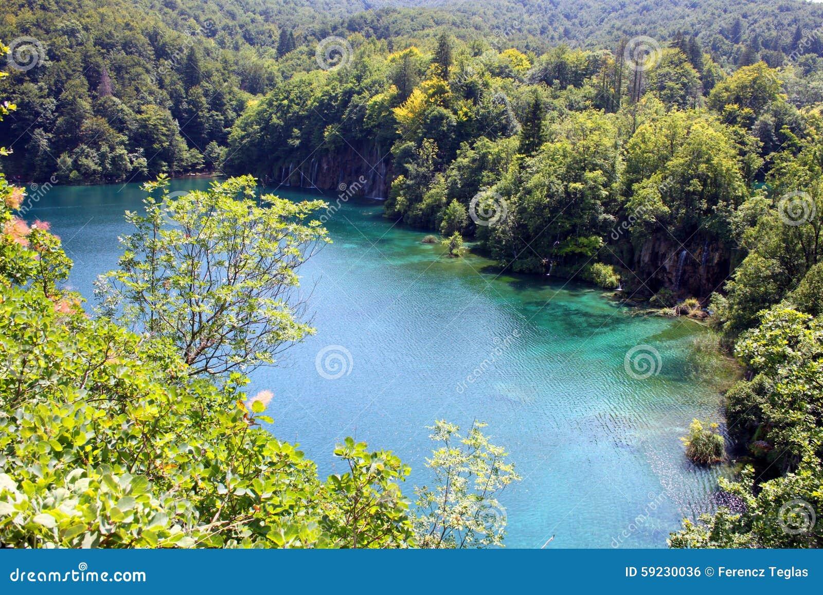 Paisaje espectacular en el parque nacional de Plitvice