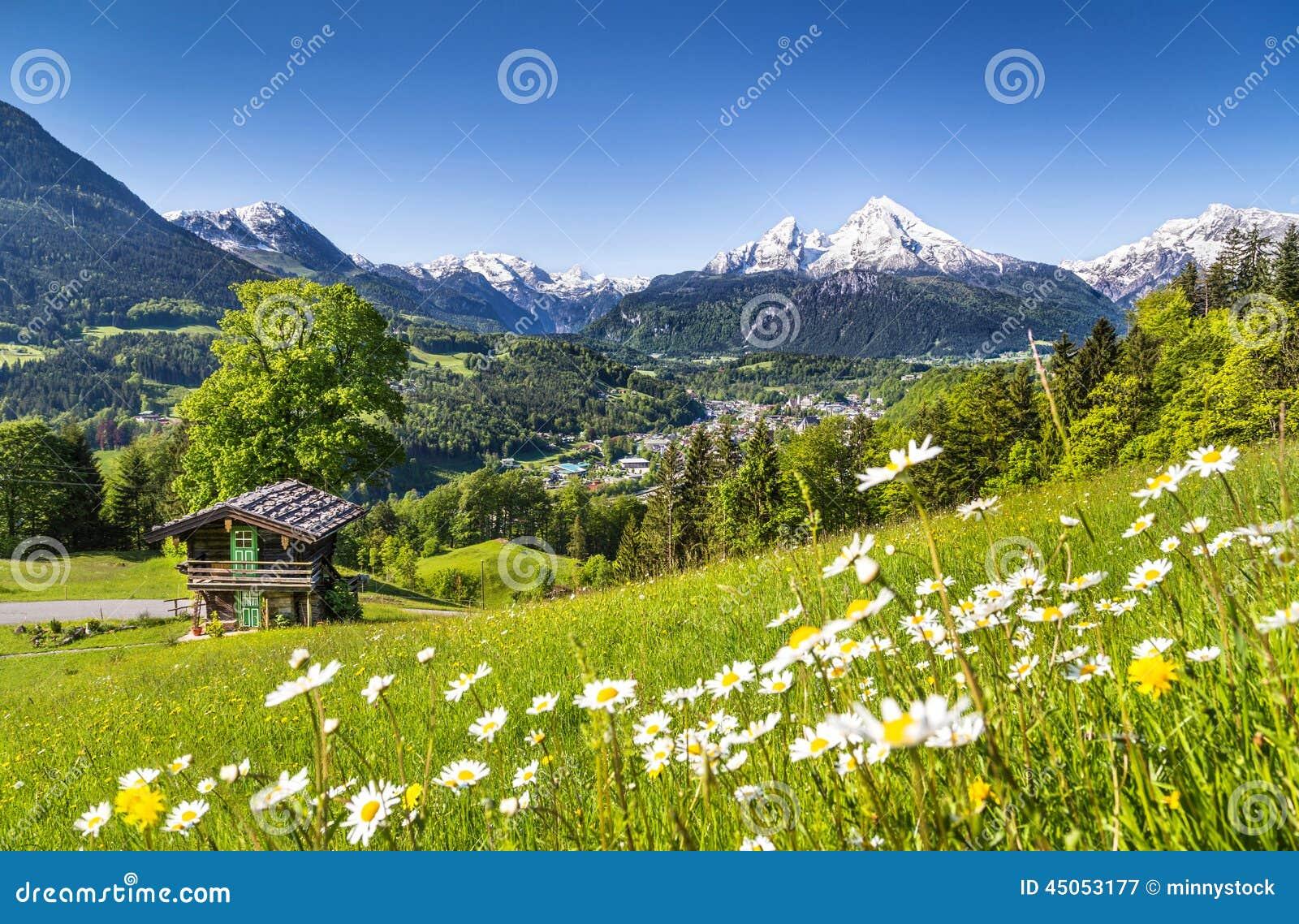 Paisaje idílico en las montañas bávaras, Berchtesgaden, Alemania