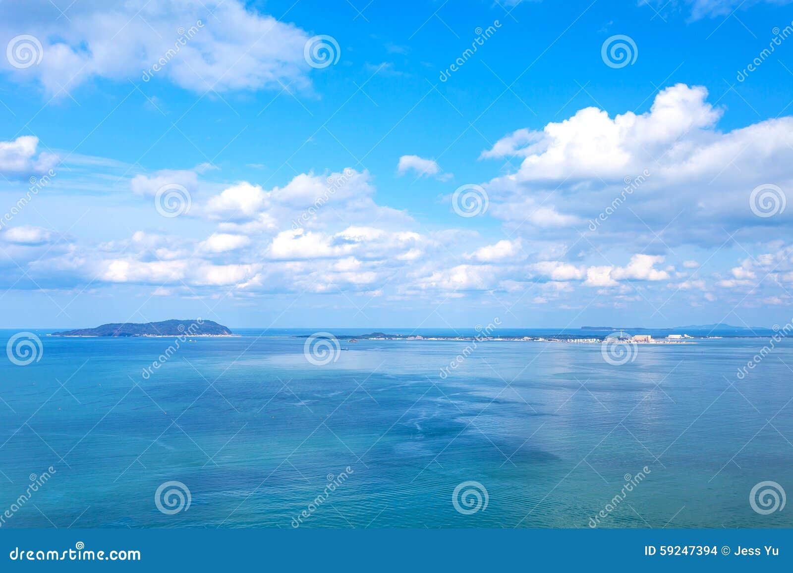 Paisaje marino de la bahía de Hakata en Japón