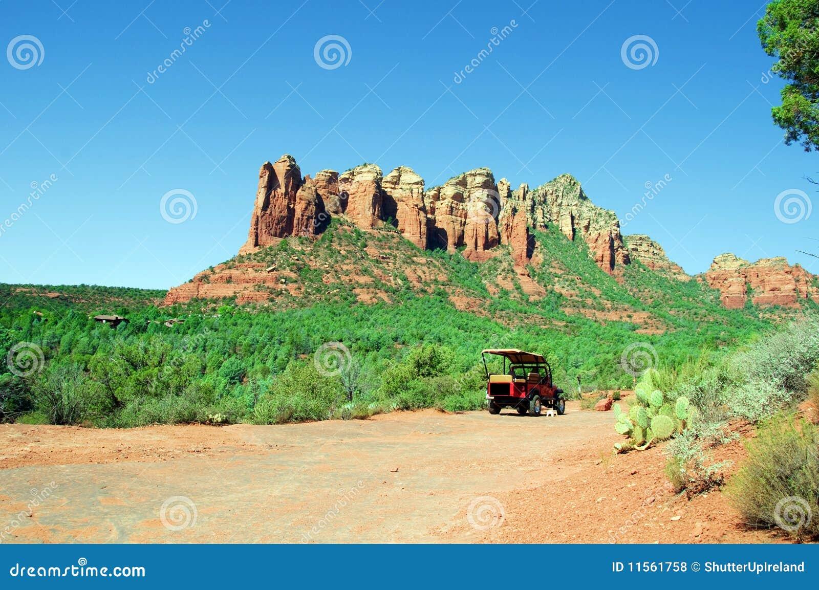 Paisaje Natural Impresionante De La Naturaleza Con El Jeep Foto De